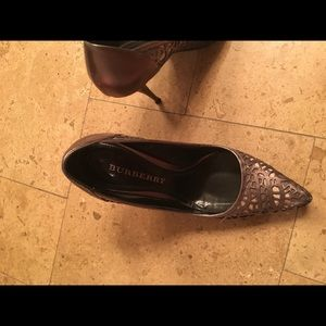 Burberry shoes (size 38, fits like US 71/2)